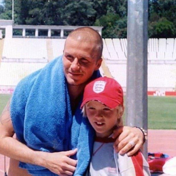 Молодой Эрик Дайер с Дэвидом Бекхэмом на Евро 2004